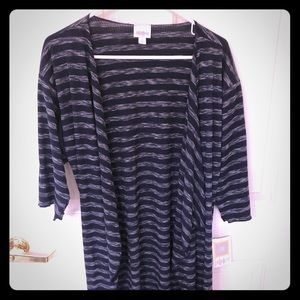 Lularoe S Shirley NWT, sweater material